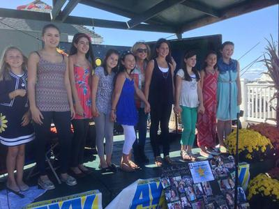Suzie Neu Students Perform at Fall Festival